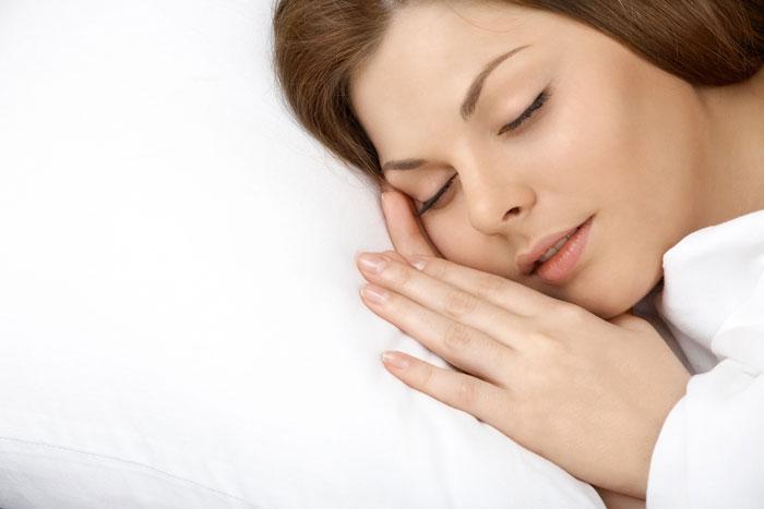 Uyku sorunlarının çözümü sağlıklı beslenmeden geçiyor