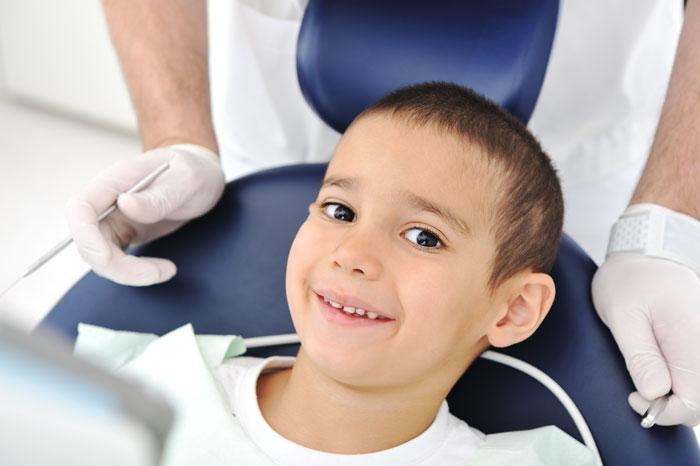 Tatilde çocuğunuzun diş bakımını mutlaka yaptırın