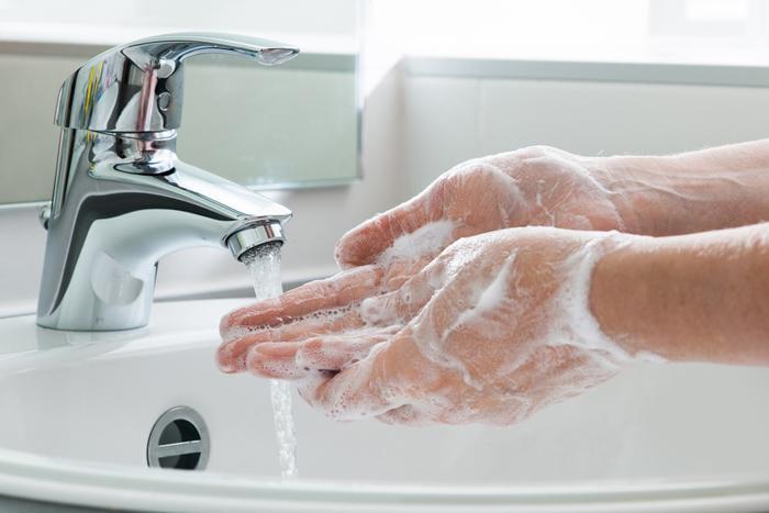 Ellerim yıkadıkça kuruyor ve çatlıyor ne yapmalıyım?