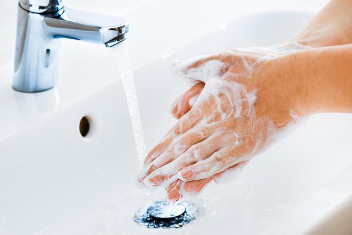 20 saniye, 2 litre, 1.5 metre, 60-90 derece…Bu sayılar Koronavirüs riskini düşürüyor!