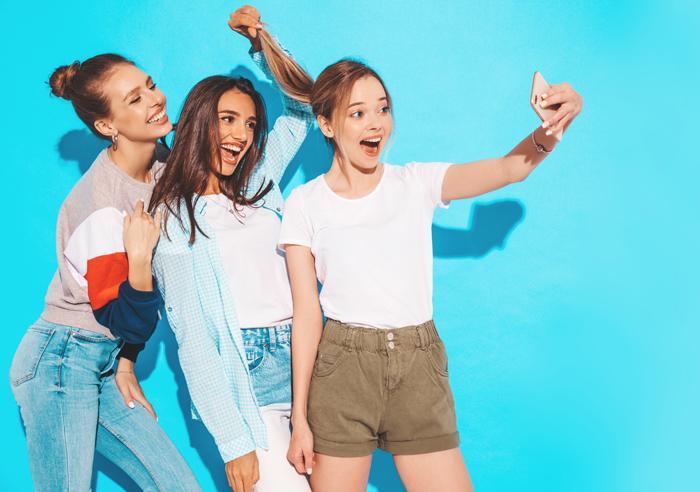'Gençler rötuşlanmış selfie fotoğraflarıyla estetik yaptırmaya geliyor'