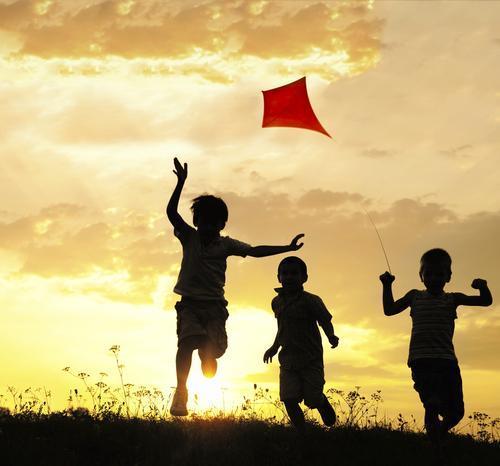 Çocuğunuzun mutlu olmasını istiyorsanız bu hataları yapmayın