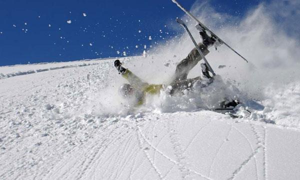 Aman dikkat! Kış sporu yaralanmaları tatilin son günü daha fazla oluyor