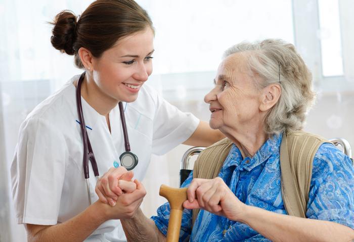 Yaşlıların kaygılarını gideren pozitif konular konuşulmalı