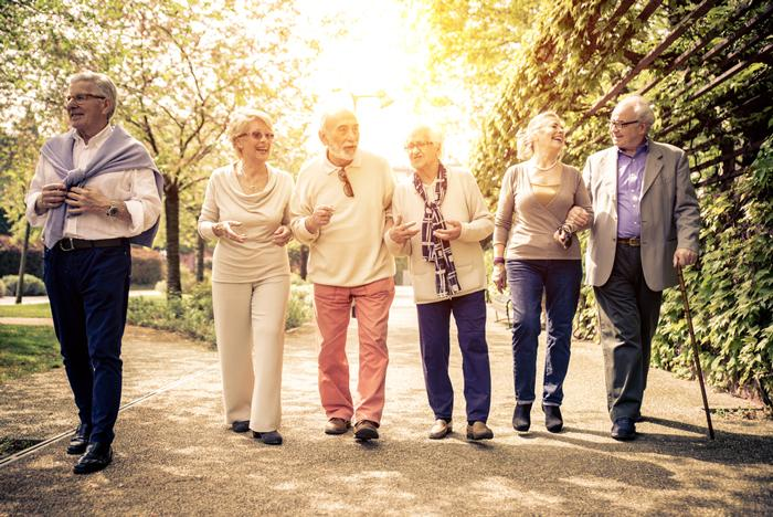 Koronavirüs korkutmadı: Yaşlılar neden dışarıda?