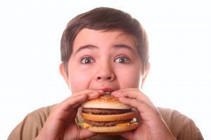 Çocuklarda yüksek kolesterolün en önemli nedeni obezite